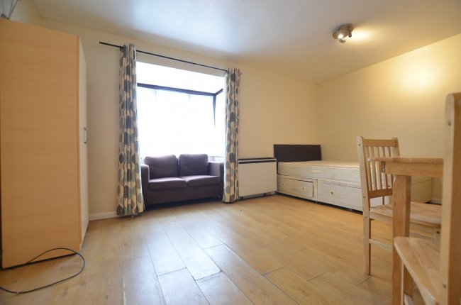 1 bedroom, Ash Walk, HA0 3QW