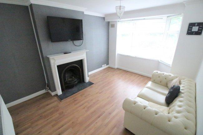 2 bedrooms, Birchanger Road, SE25 5BW