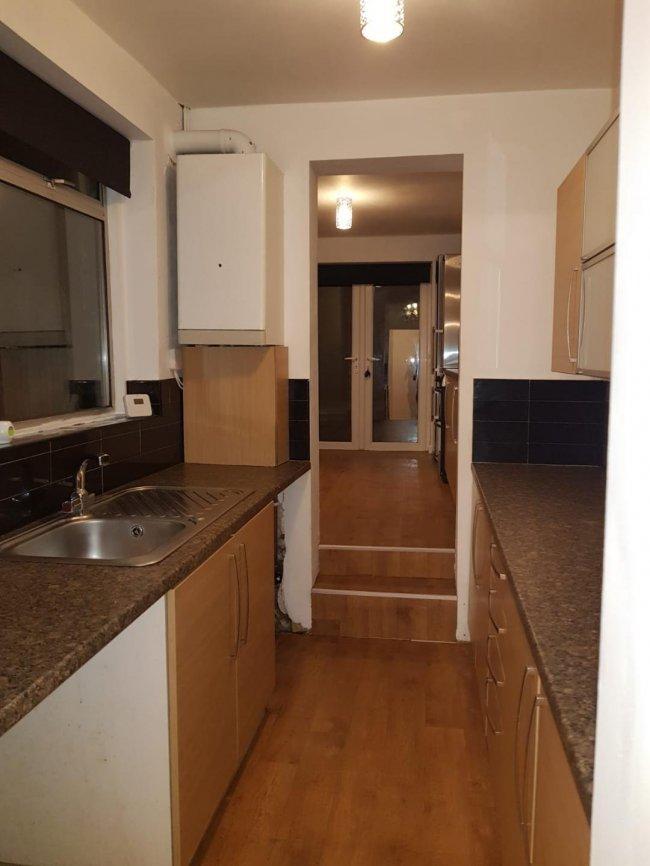 2 bedrooms, Burgass Road, NG3 6JL