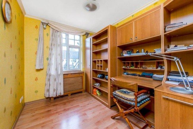 4 bedrooms, Firstway, SW20 0JD