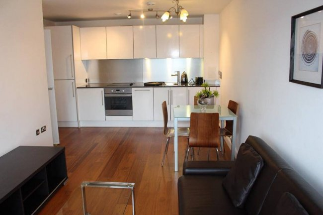 2 bedrooms, 26, High Street, SL1 1ER