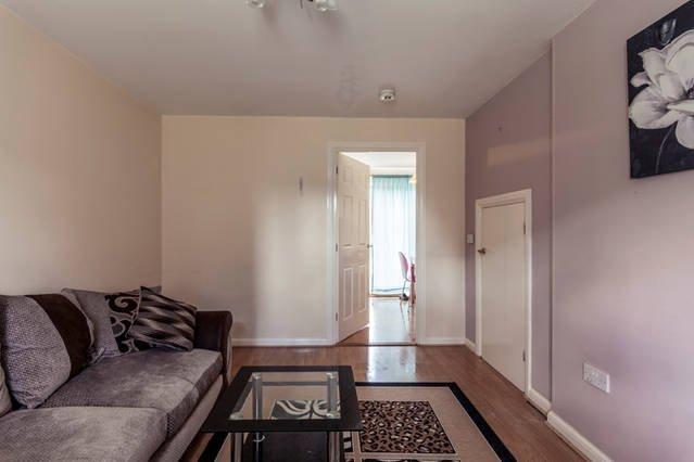 2 bedrooms, Queen Bee Court, AL10 9PR