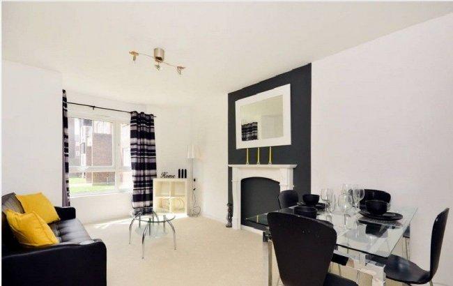 1 bedroom, Sheldrick Close, SW19 2UQ