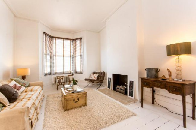 4 bedrooms, Wendover Road, NW10 4RX